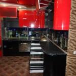 Кухня красная, венге, угловая, изготовлена на заказ в Томске